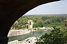 Vue dessous du pont du Gard
